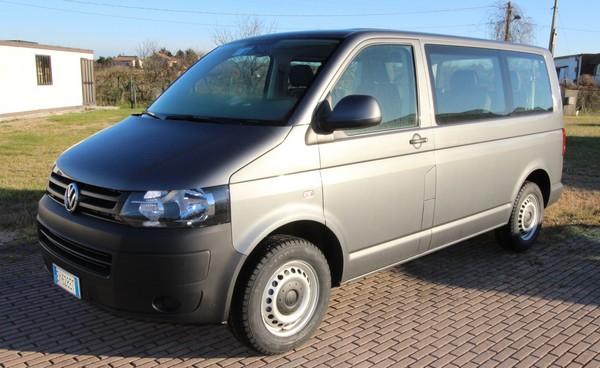 Noleggio pulmino volkswagen multivan 9 posti prezzi e costi - Camper 8 posti letto noleggio ...